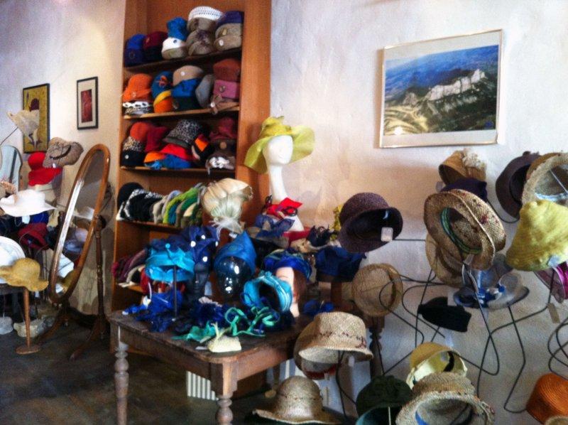 La boutique de la modiste La forêt des chapeaux